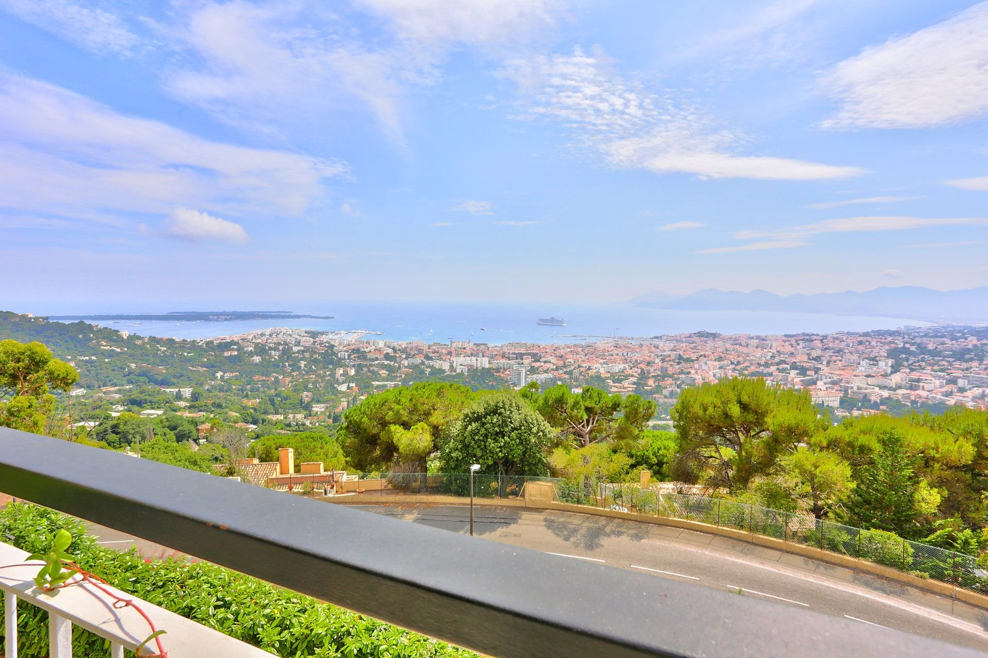 CANNES HEIGHTS SALE 3 ROOMS PANORAMIC SEA VIEW