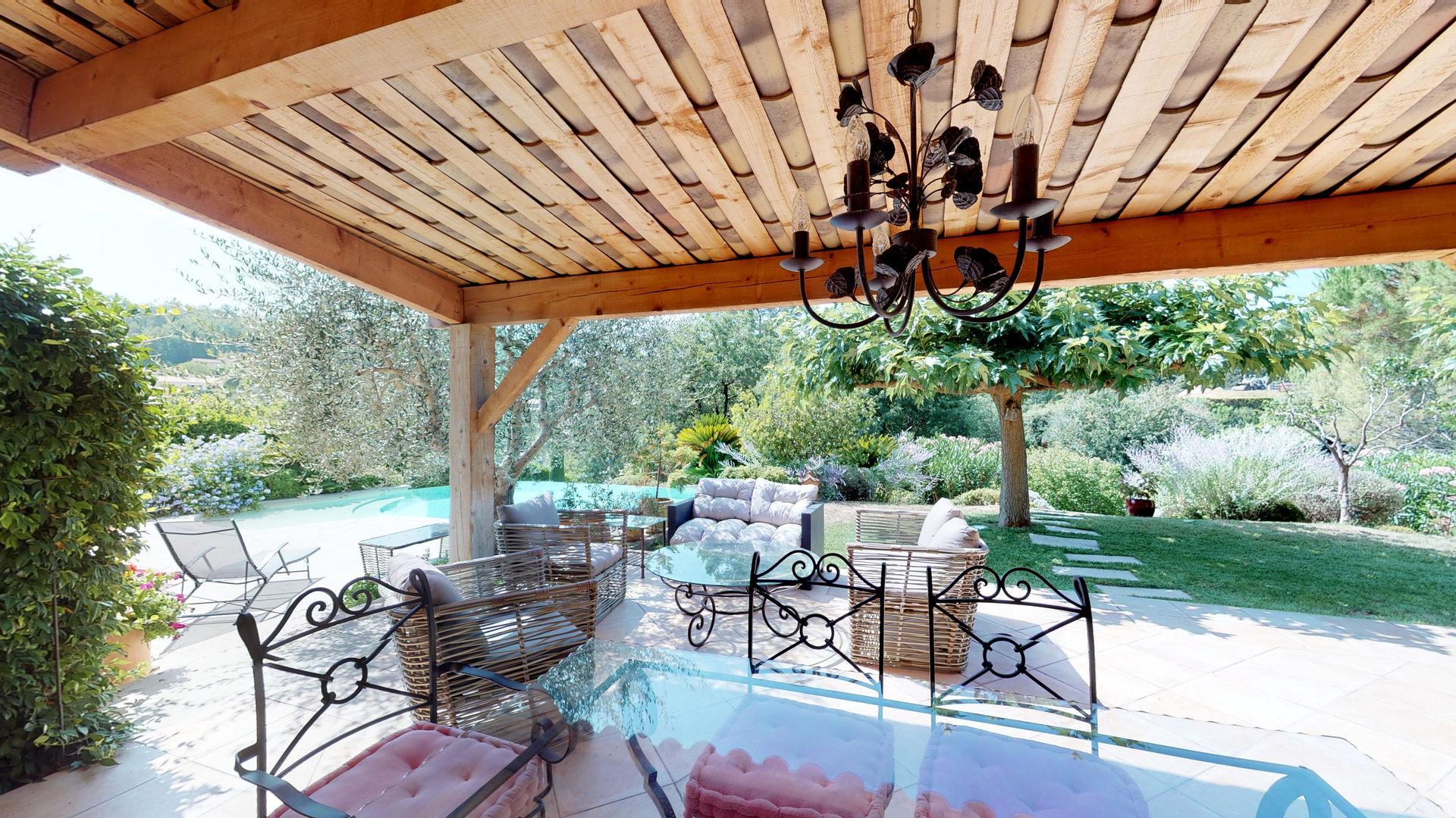 Provençal villa close to Valbonne