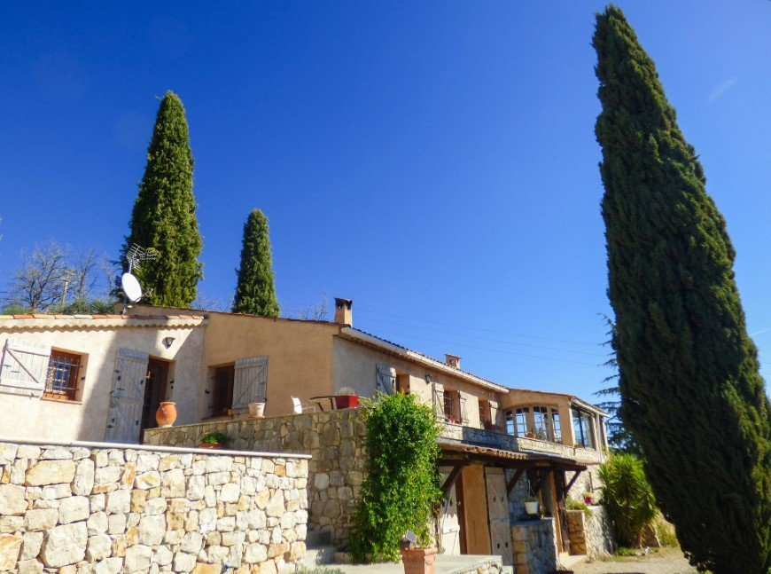 Sale/Purchase property speracedes sea view