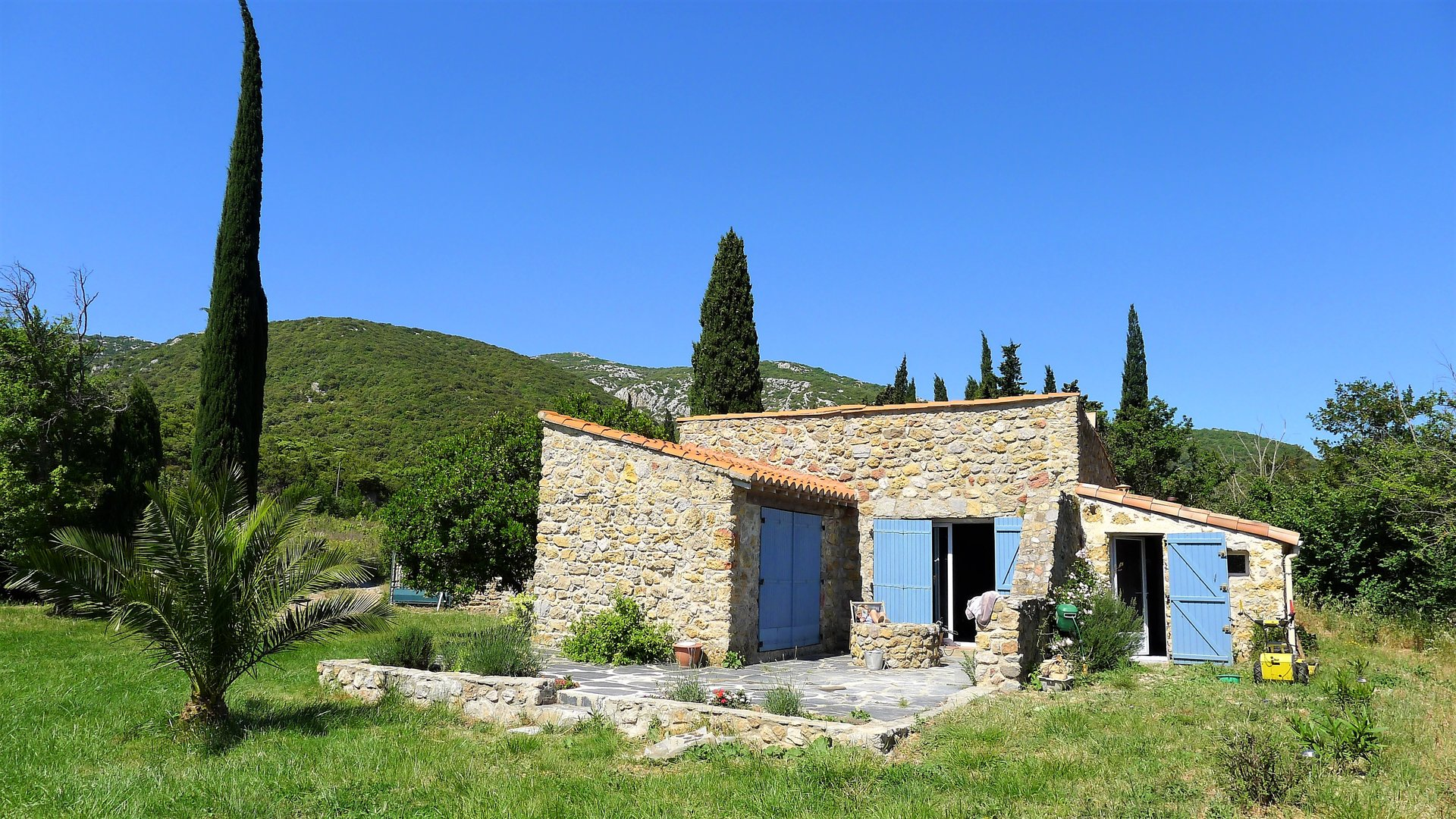 Bastide on 8761m² of land