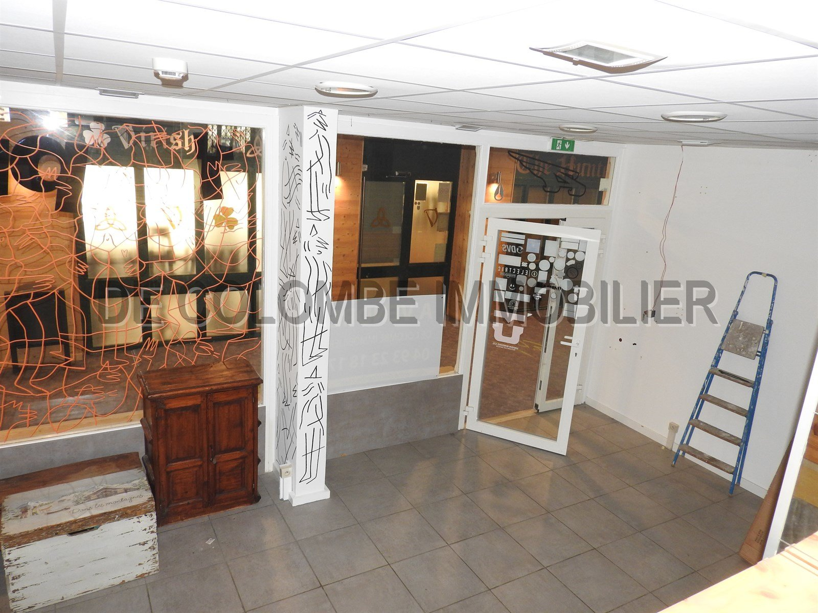 DROIT AU BAIL LOCAL COMMERCIAL 130 M2
