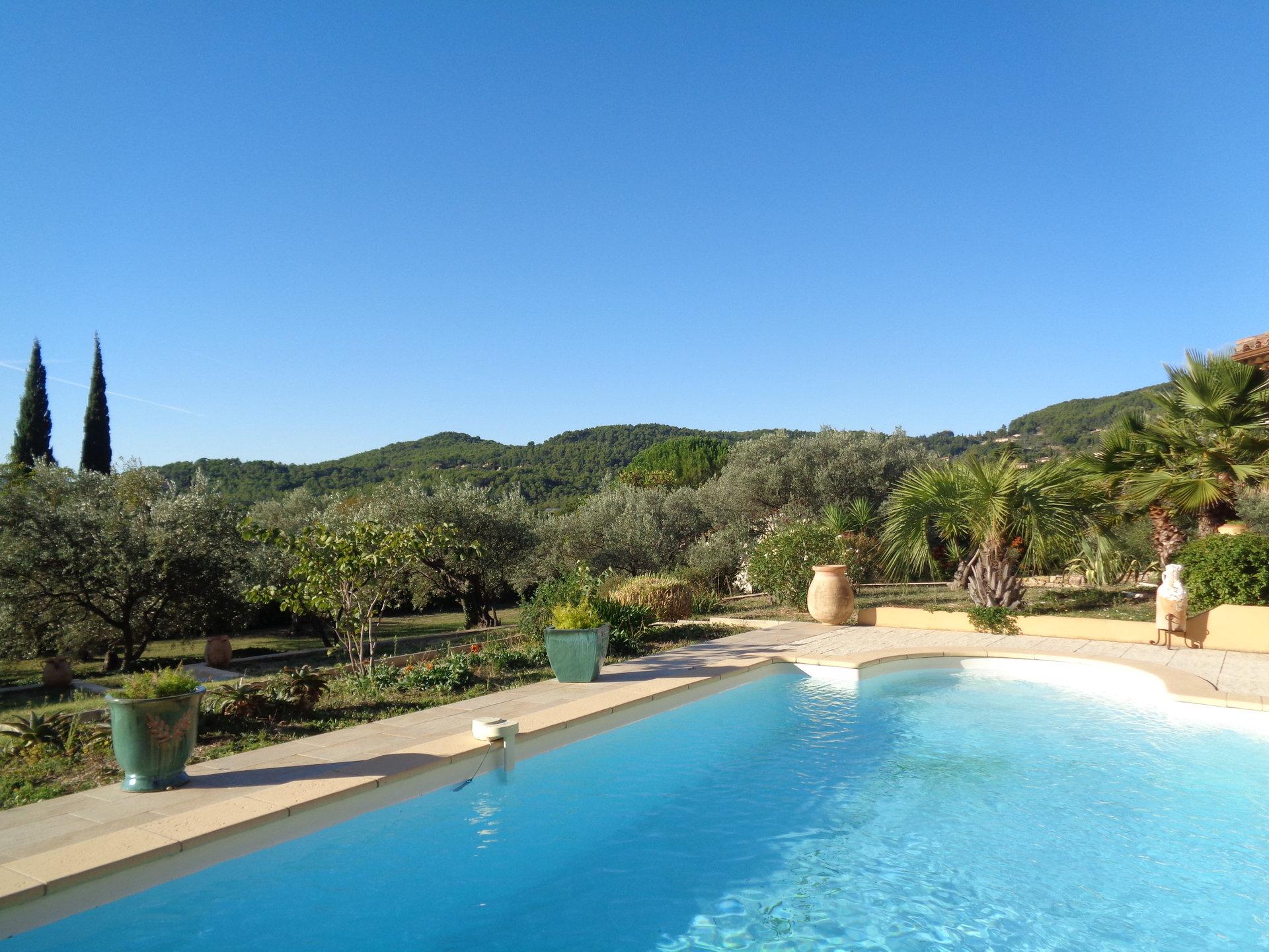 Neo provençalse villa in Seillans