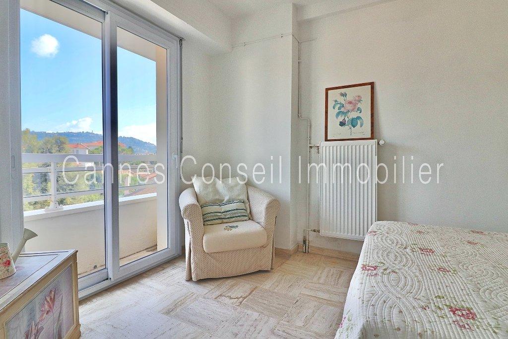 1 bedroom, terrace, cellar, top floor - Petit Juas