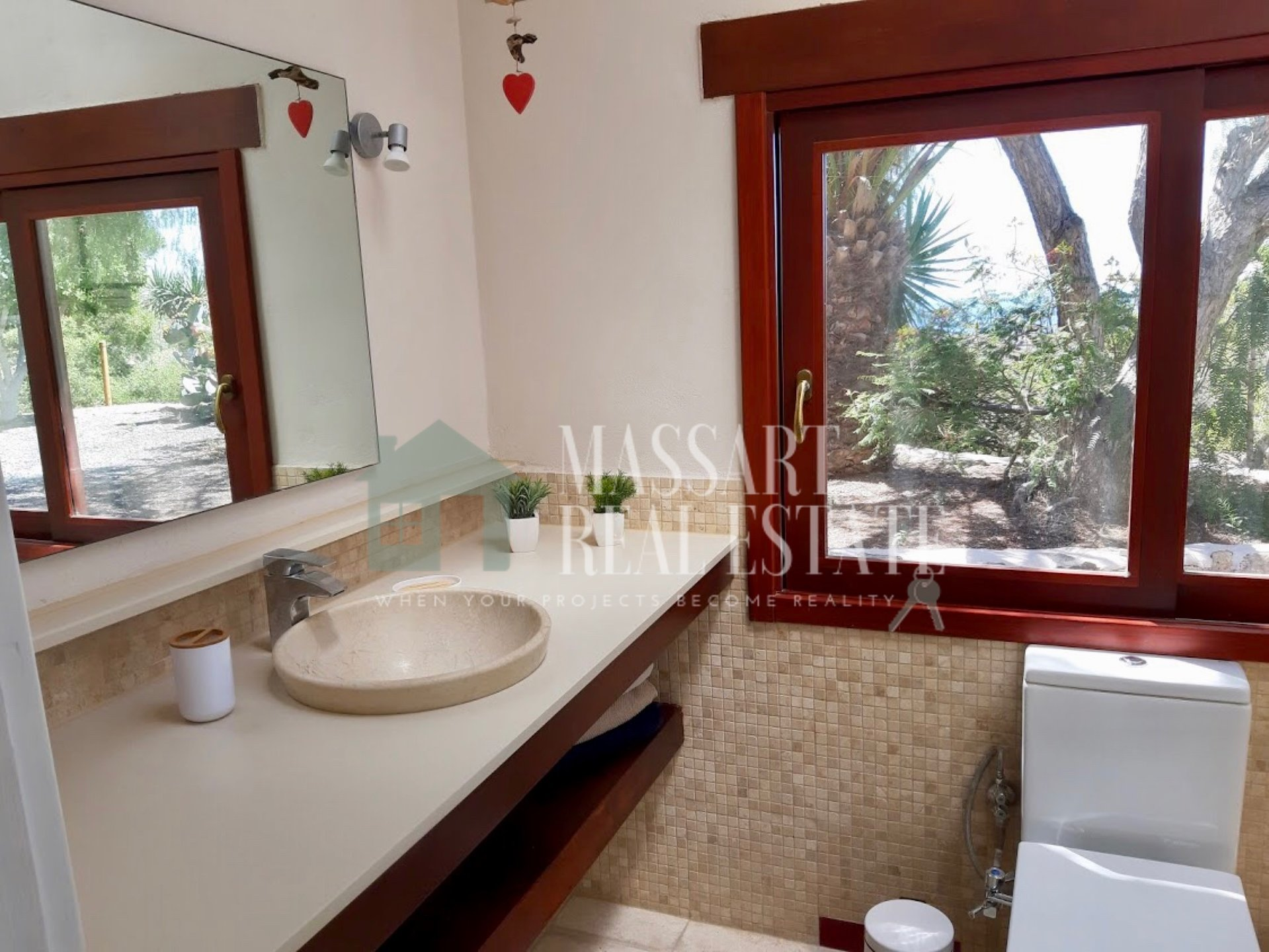 For rent in San Isidro, 220 m2 house located in a large rustic environment.