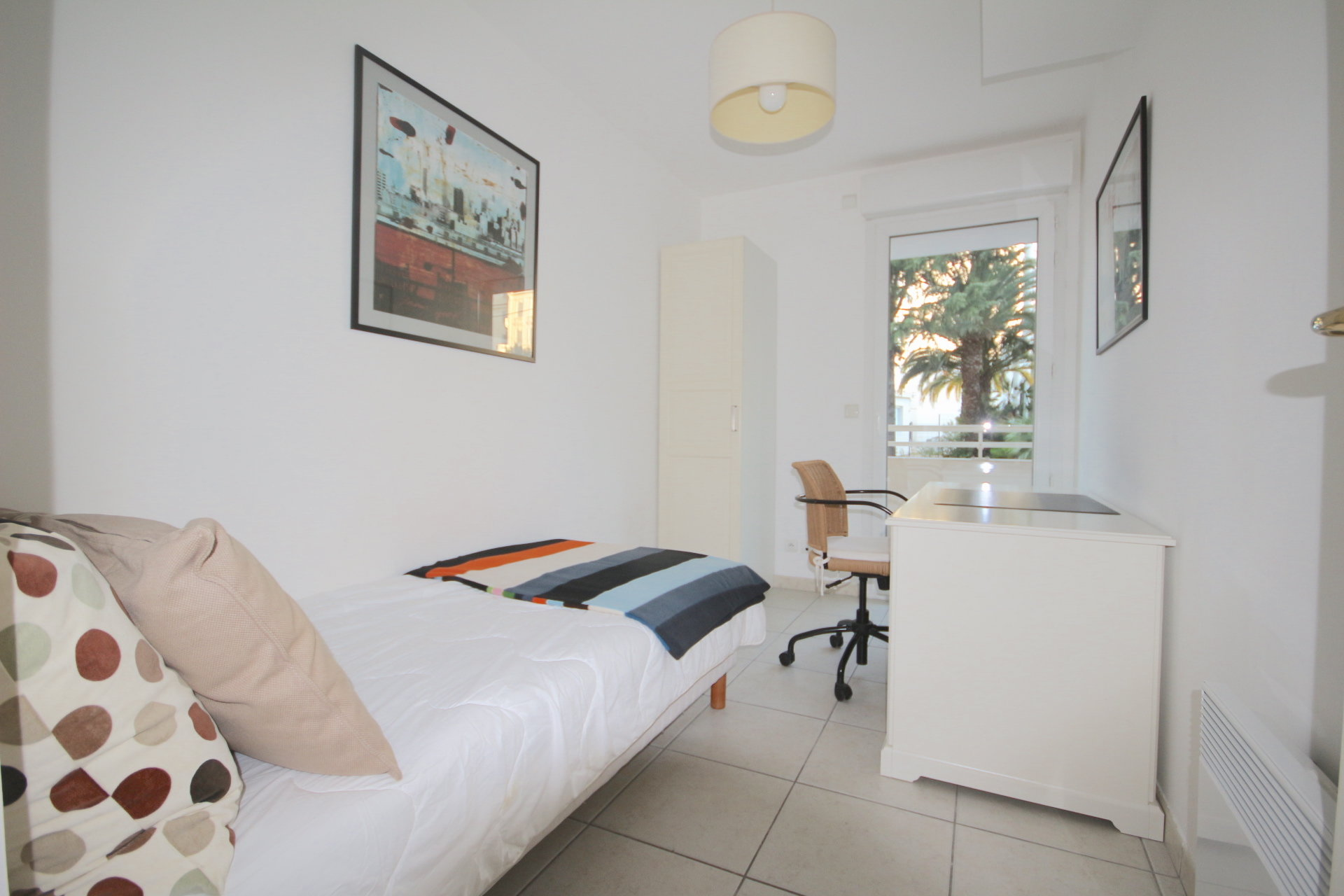 CANNES,downtown.2 bedroom flat.