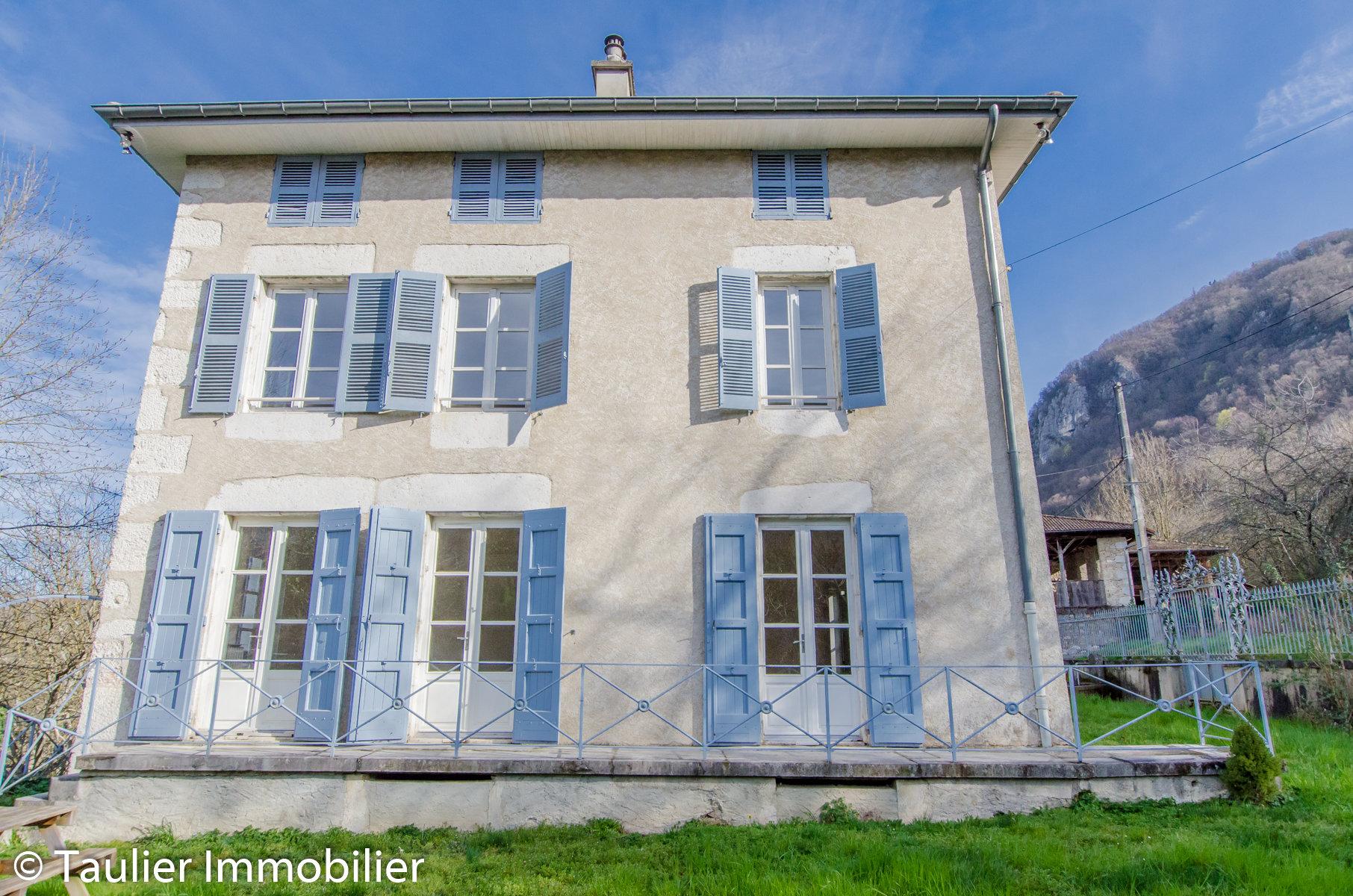 Maison bourgeoise, 5 chambres, grand terrain