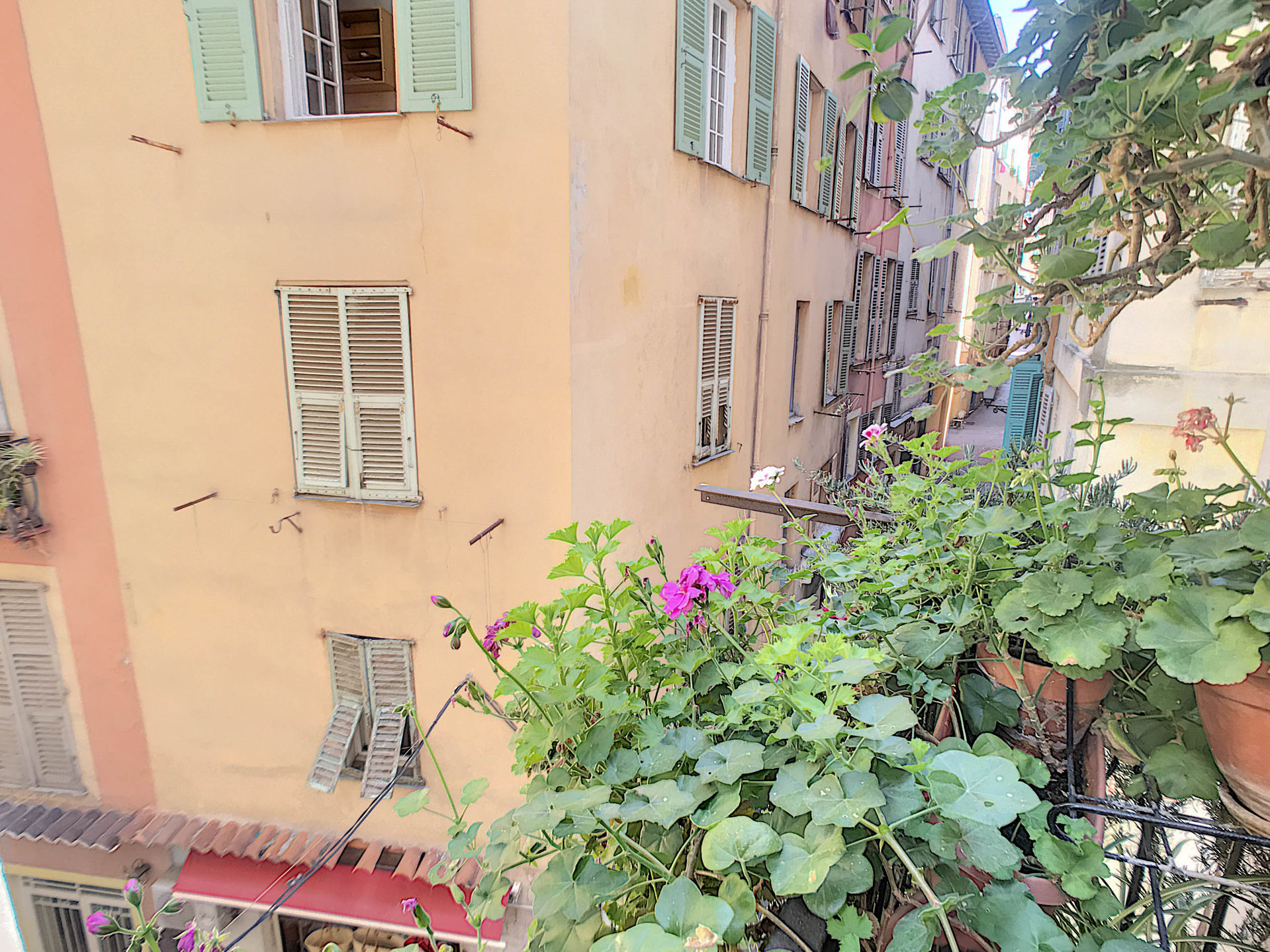 SALE Apartment 3 Rooms 91m² NICE Old Town Balcony Sublime Cave