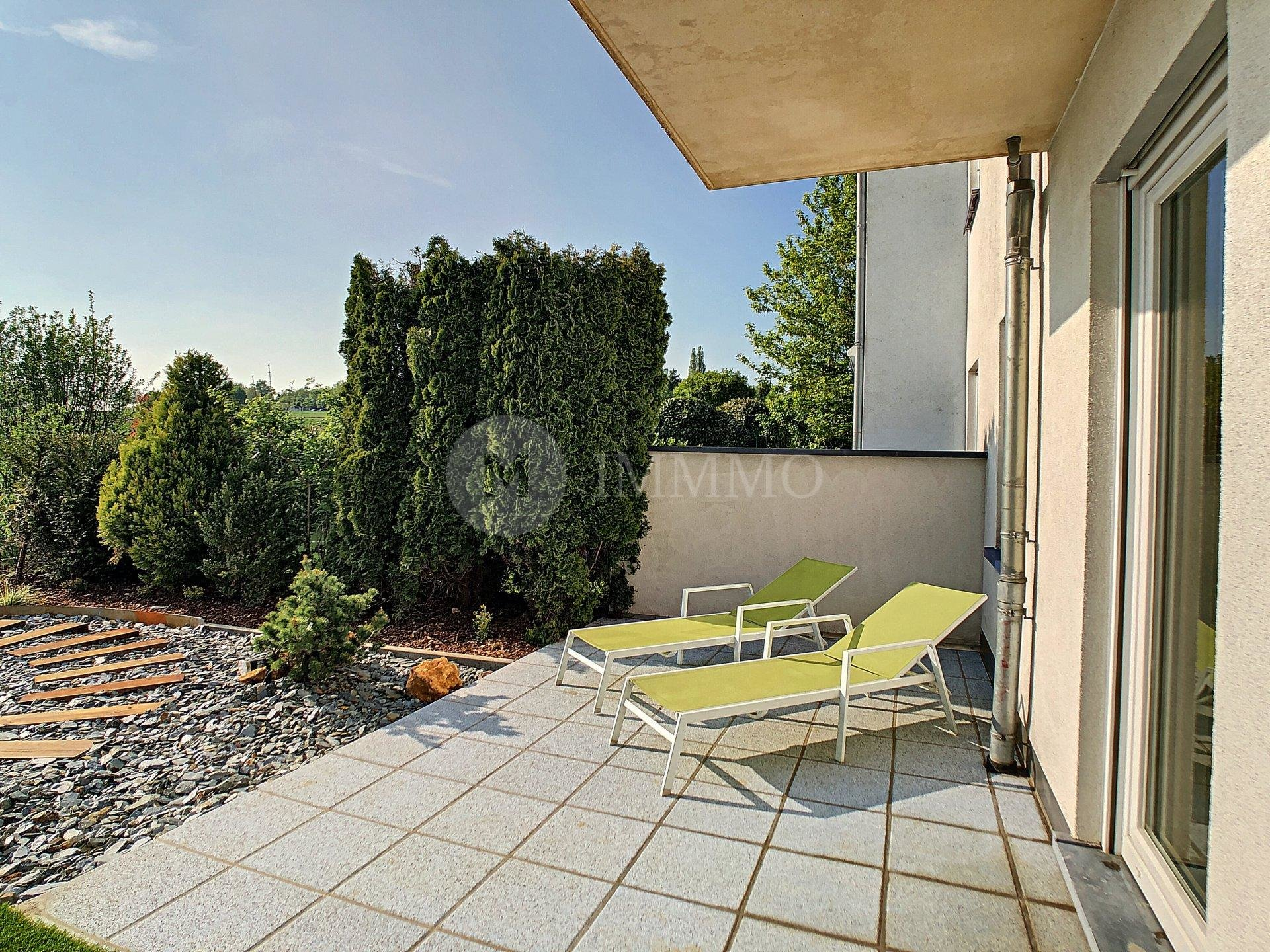 Merl furnished apartment with garden, West faced