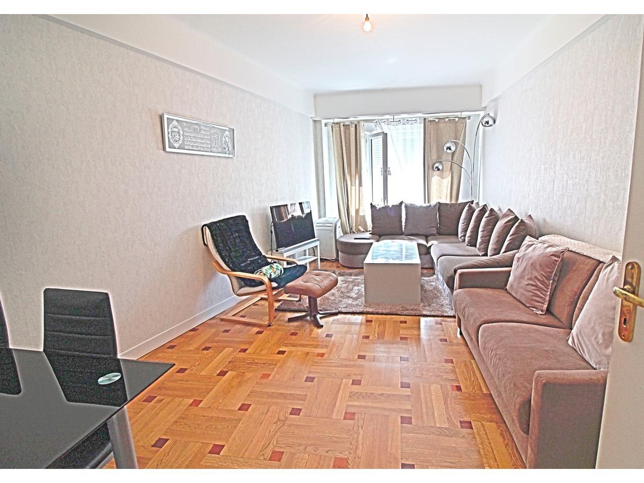 Appartement  2 Pièce(s) 54 m²  à vendre