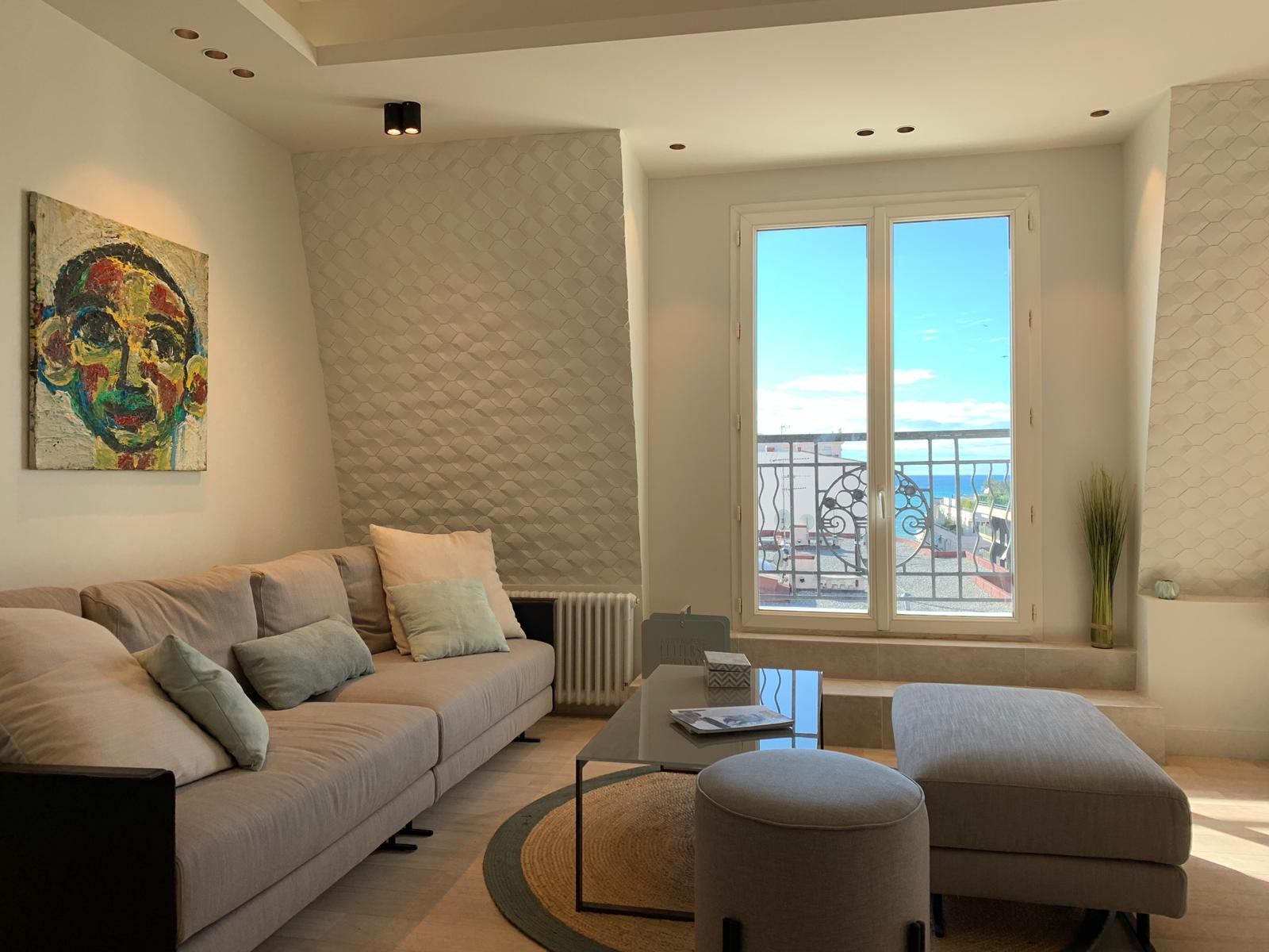 Cannes Banane - Central Location 3 bedroom renovated apartment