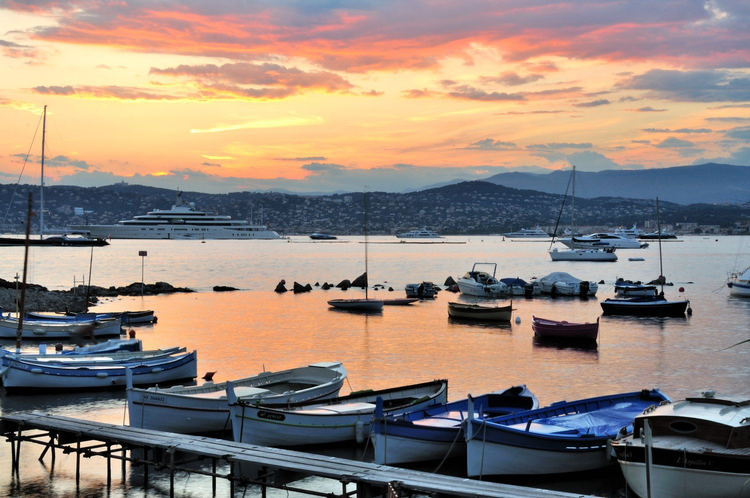 ANTIBES - French Riviera - Penthouse with sea view - near marina
