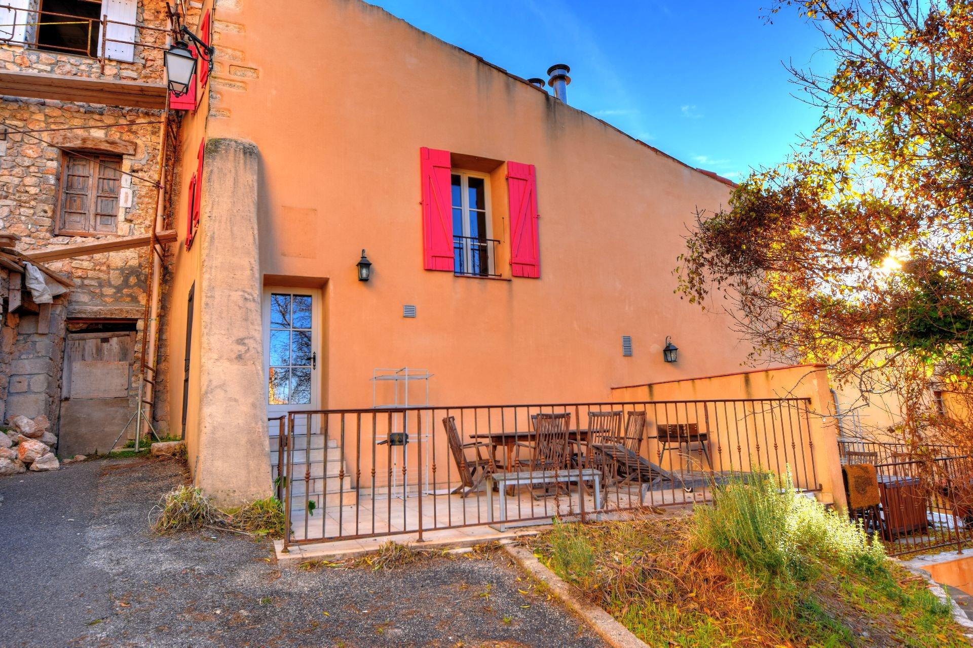 Appartment 65 m², terrace, Aiguines, Verdon, Var