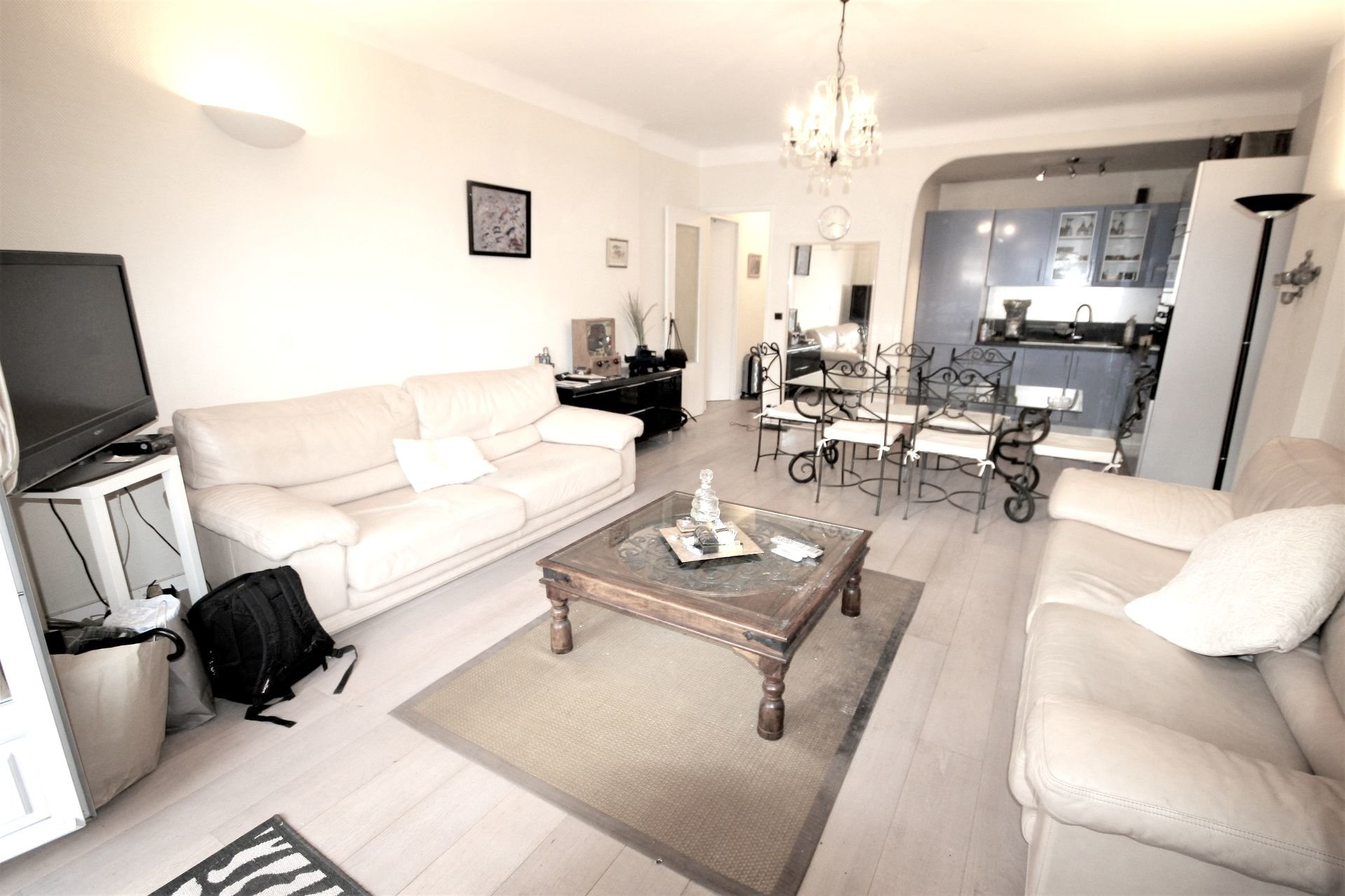CANNES SALE 2 ROOMS NEAR THE CENTER