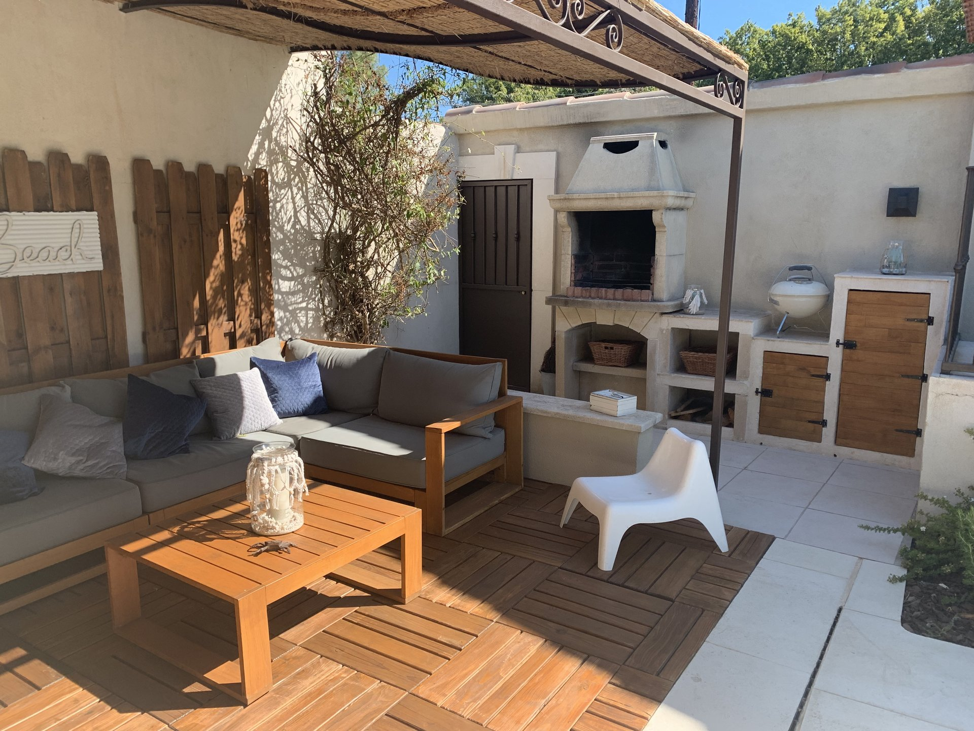 Beautiful single storey villa with pool