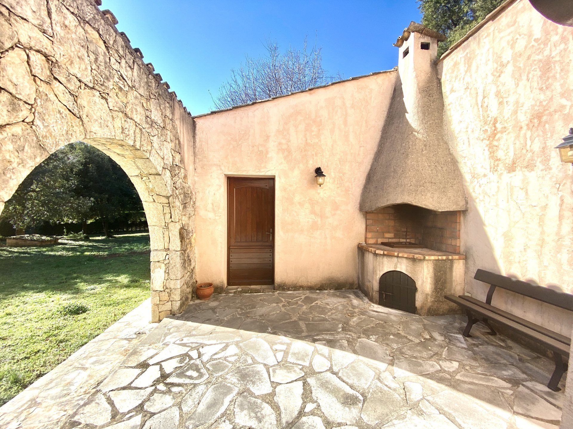 Real Estate Opportunity ! Old price 1 390 000 €   Now 998000€