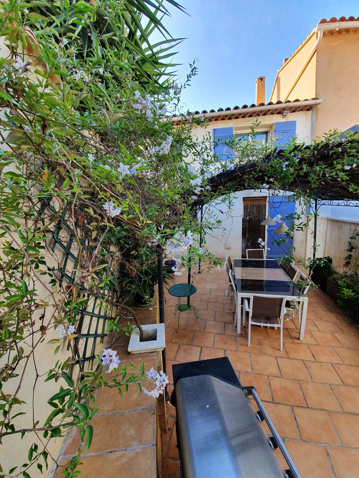 Belle maison de hameau avec terrasse T4