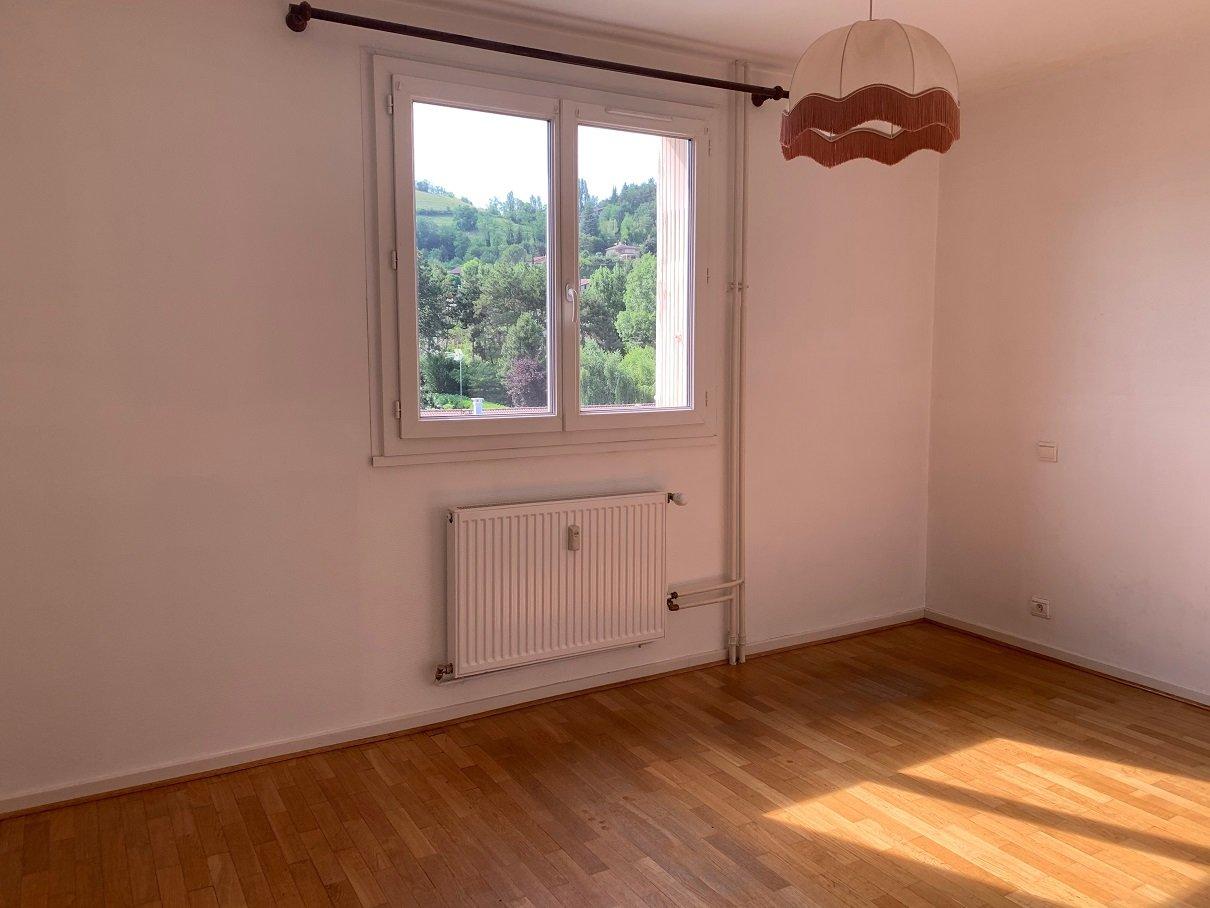 Appartement T3 avec balcon et ascenseur
