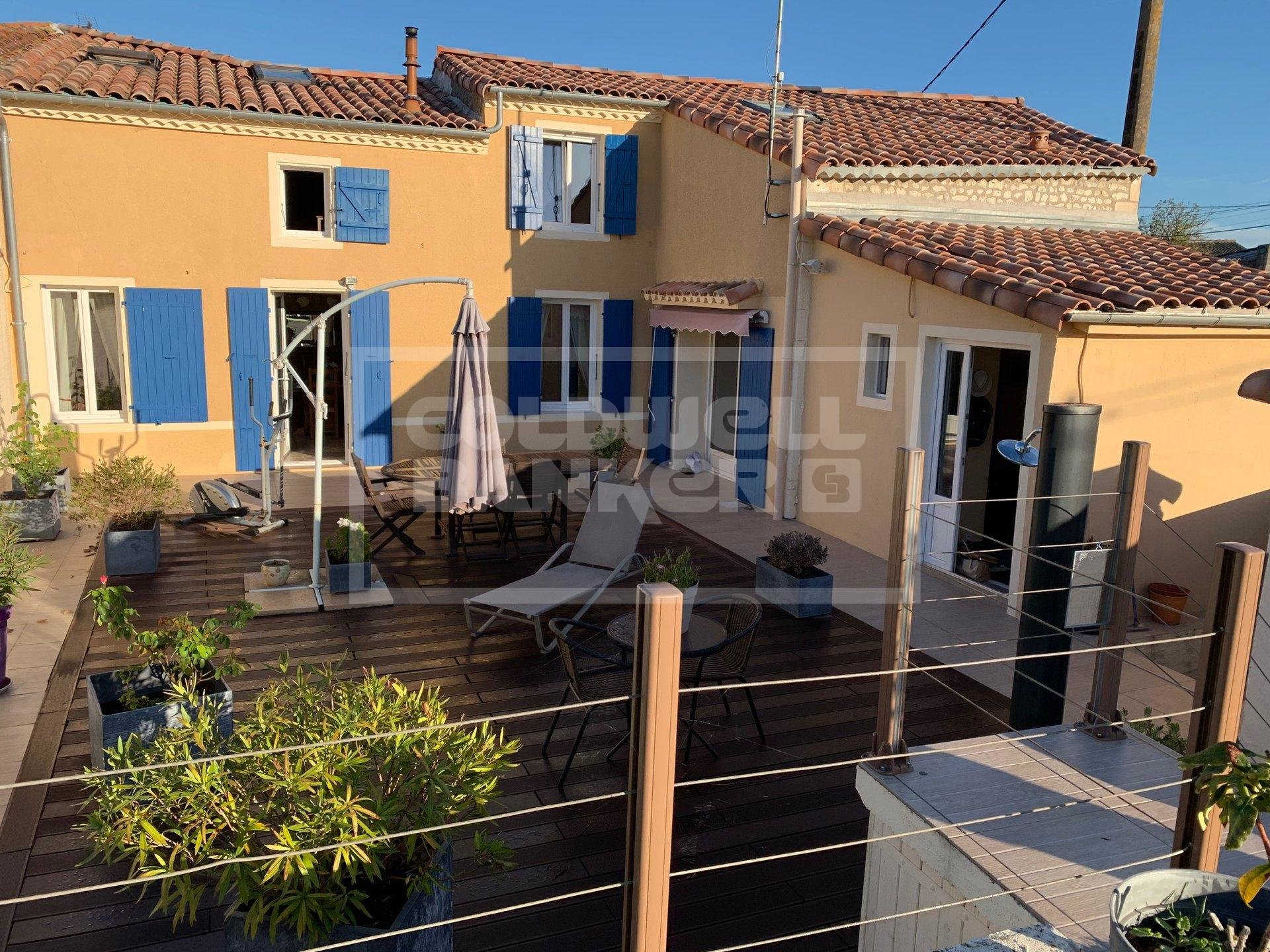 174 sqm 4 bedroom Stone House for Sale in Meschers sur Girond