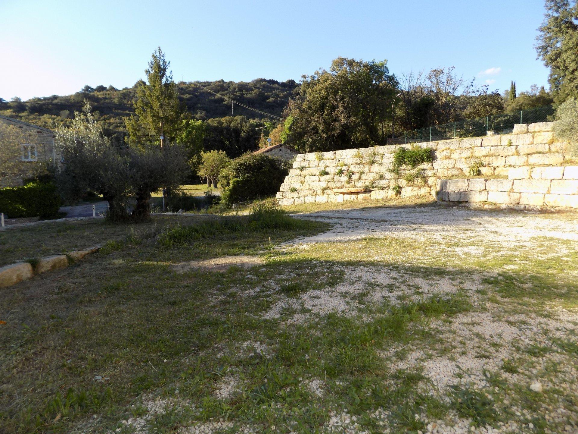 VILLA T3 de plain-pied avec terrasse et jardin