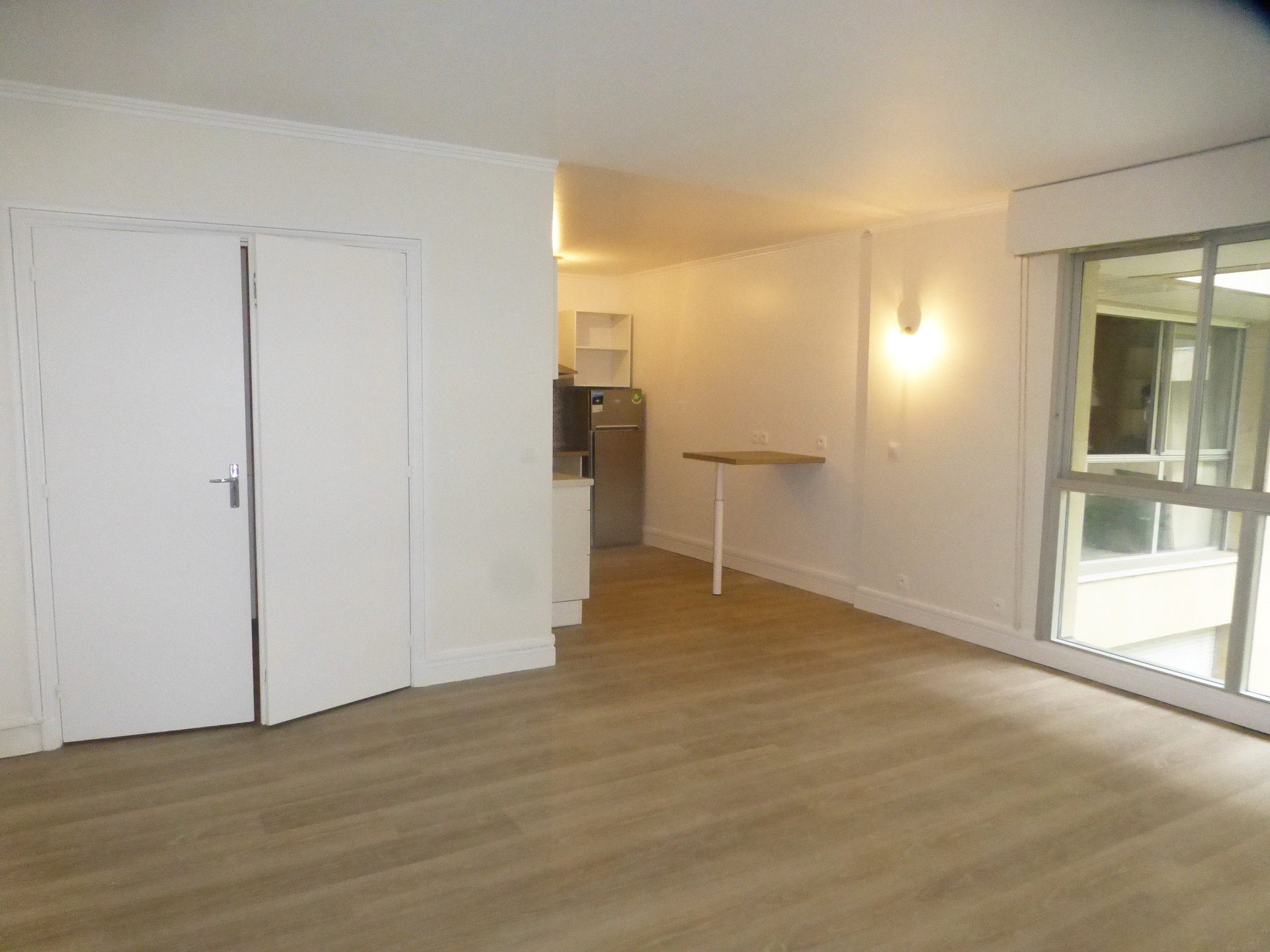 Grand studio  58.85 m² 75007 Paris