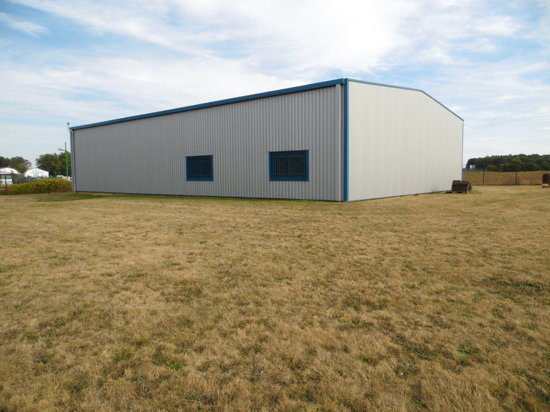 Bâtiment industriel de 398 m² environ