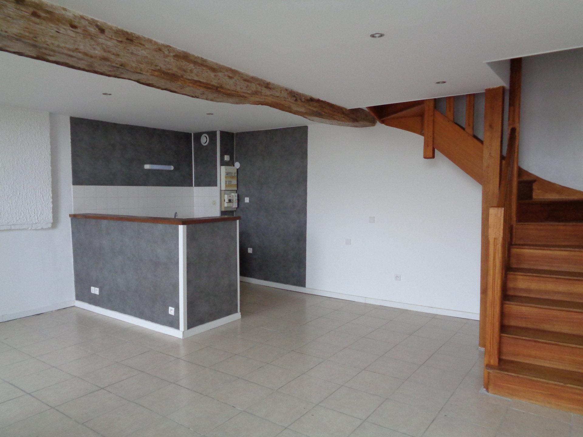 Appartement Saint Jacques de Thouars - 2 pièces - 53 m² (env.)