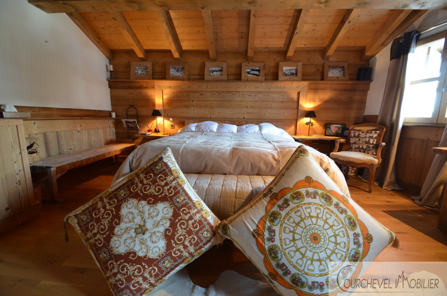 CHALET COEUR DE VILLAGE - COURCHEVEL LE PRAZ