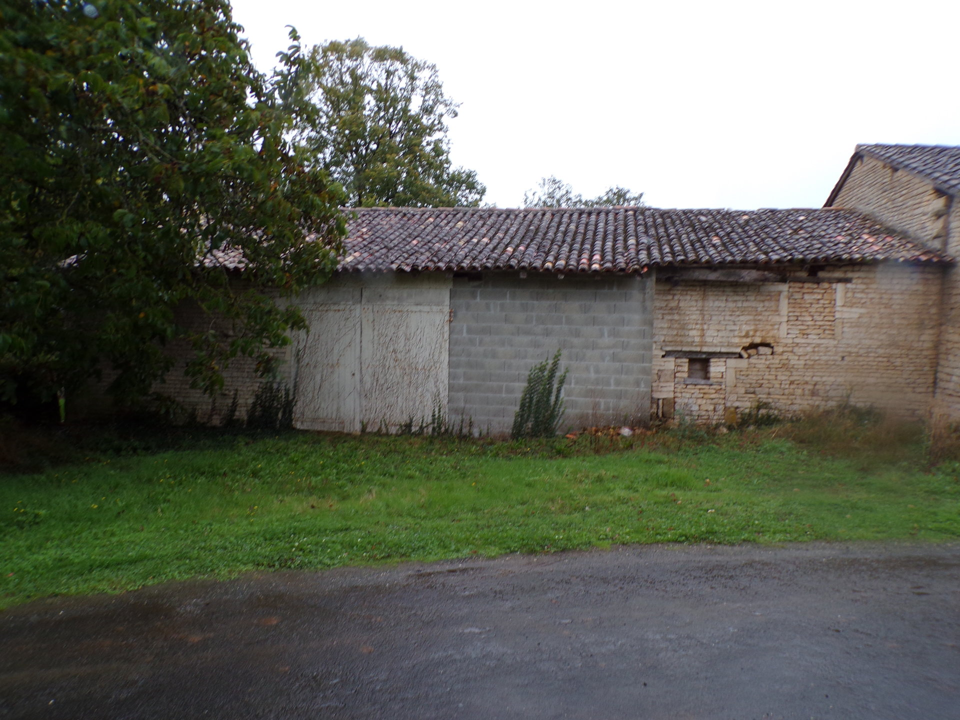 Barn for renovation.