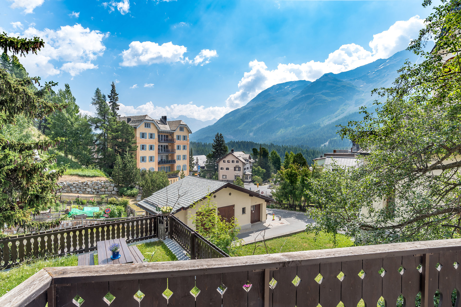 Holiday apartment for sale in the centre of Champfèr, Engadine Valley in Swiss