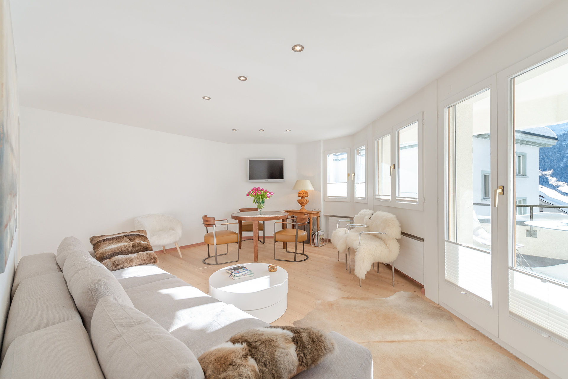 Apartment furnished for sale in St.Moritz-living room