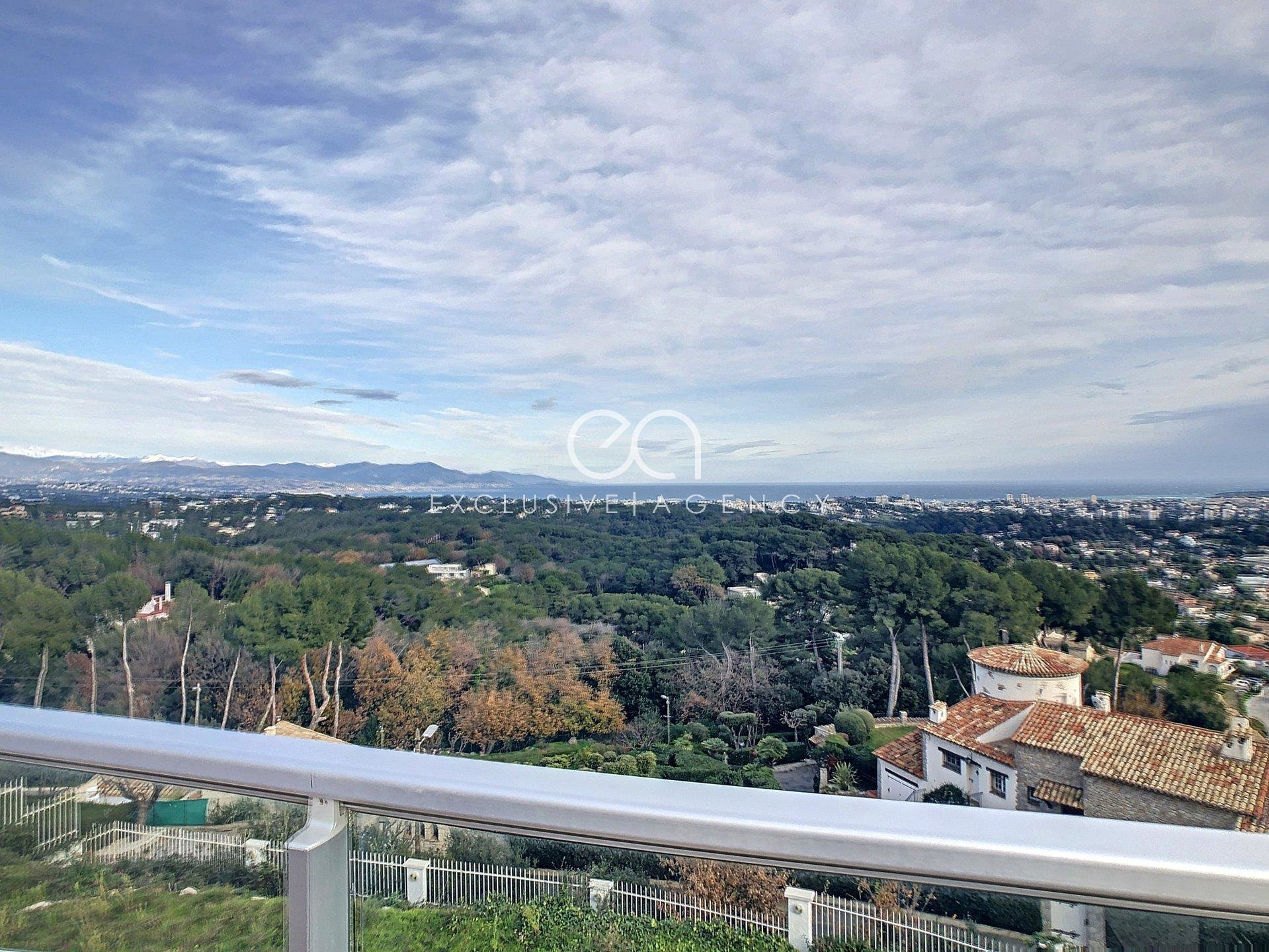 Heights of Antibes For Sale villa 498sqm with 180°of panoramic sea view
