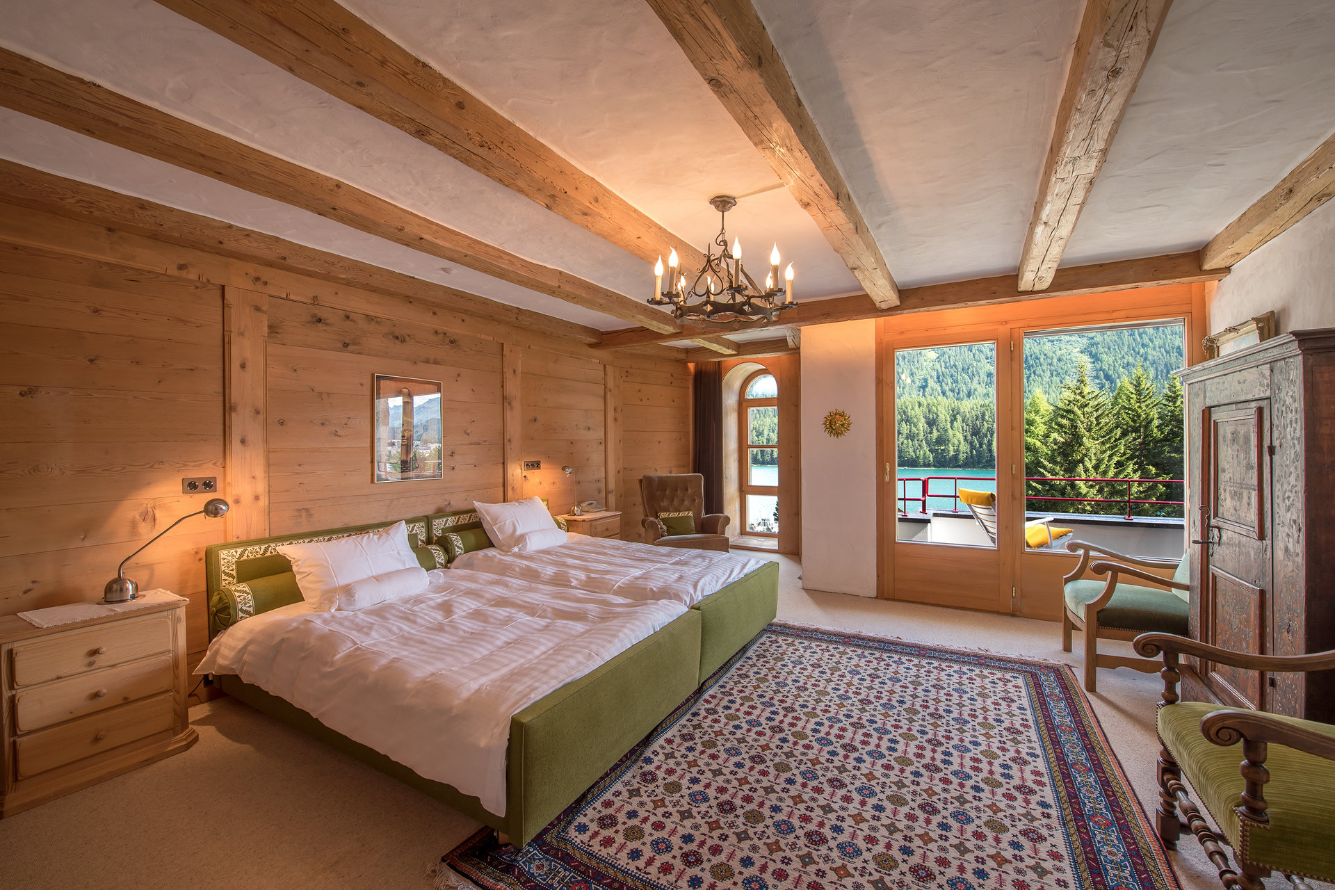 "Apartment for sale in the ""Palace Suot Mulin"" in St. Moritz"