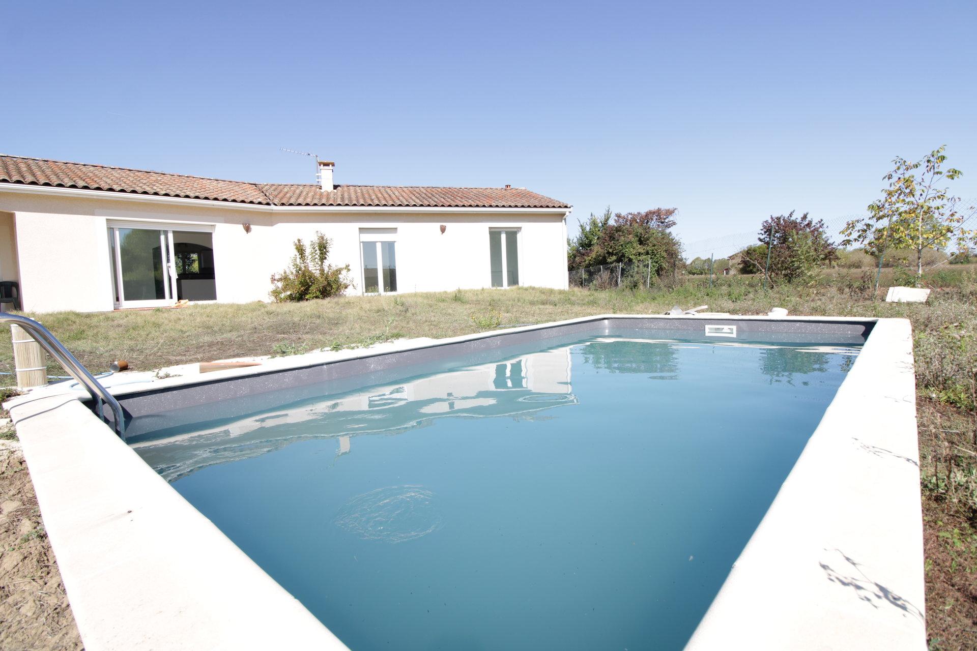 LISLE SUR TARN - Villa contemporaine de plain pied T5 avec piscine à 25 minutes de Toulouse