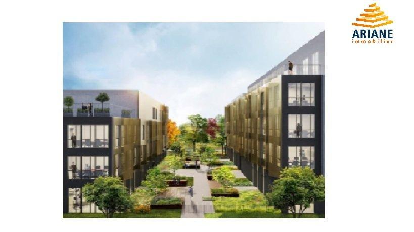 Bureau à louer 348 m2 avec terrasse est lyonnais