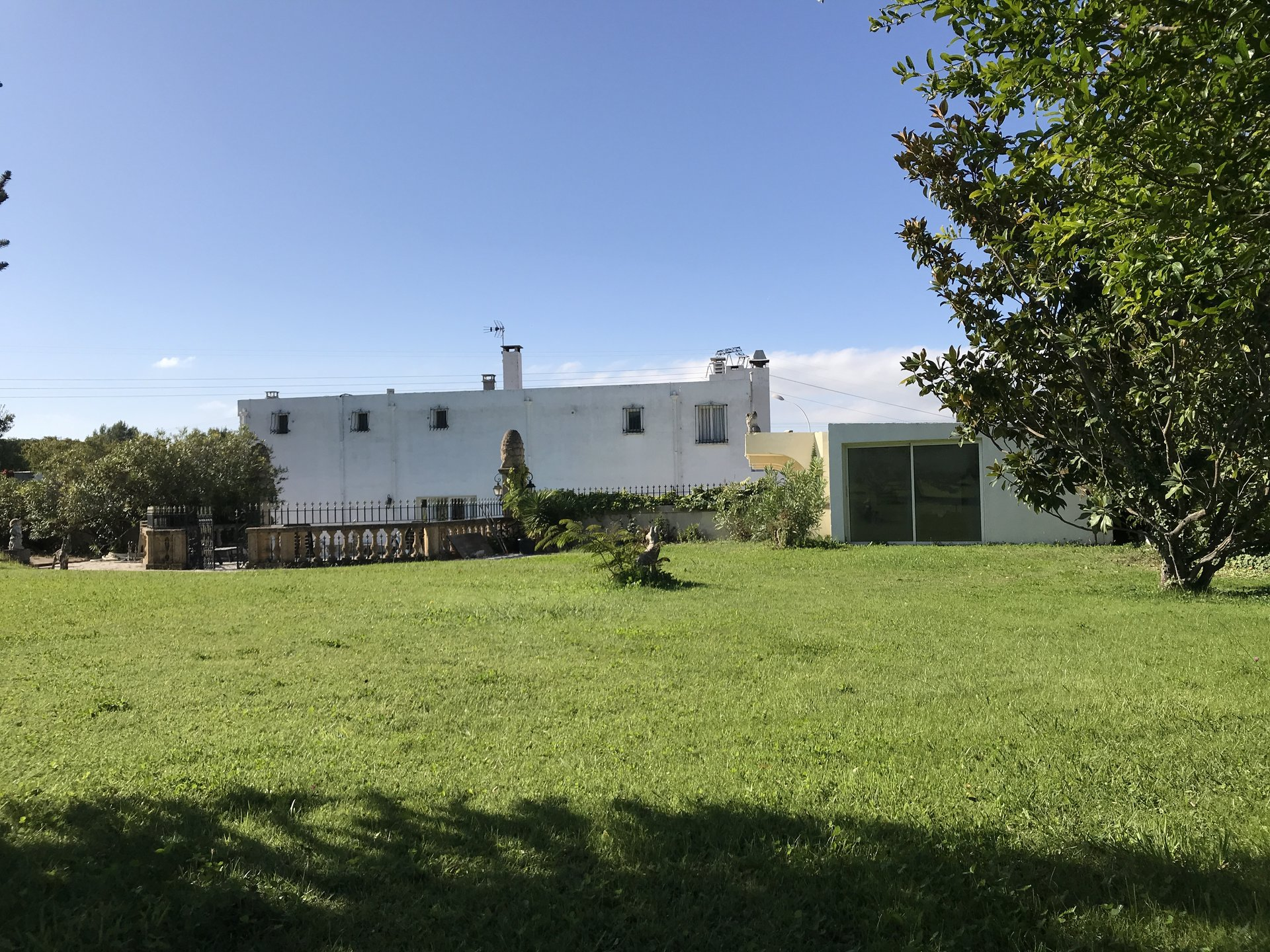 PROPRIÉTÉ  ATYPIQUE 635 m²