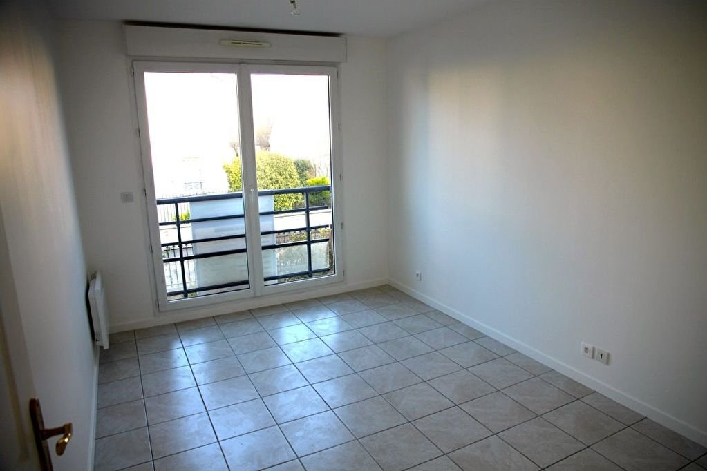 Appartement Noisy Le Grand   3 piece(s)   70,71 m2