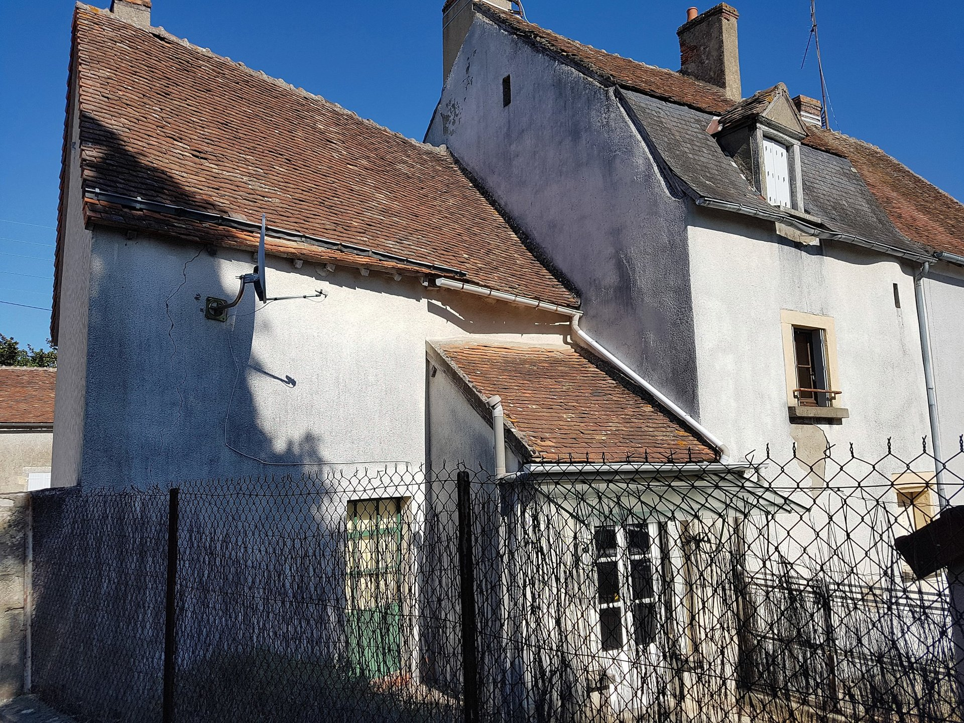 The Brenne, Indre 36, Prissac: house with courtyard