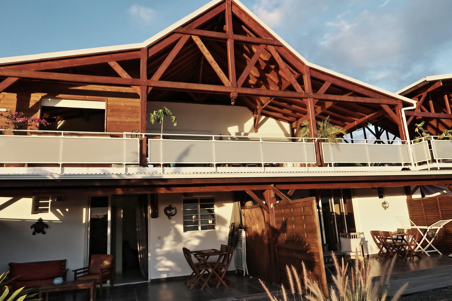 Villa T6 vue mer avec piscine +  2 T2 , proche centre