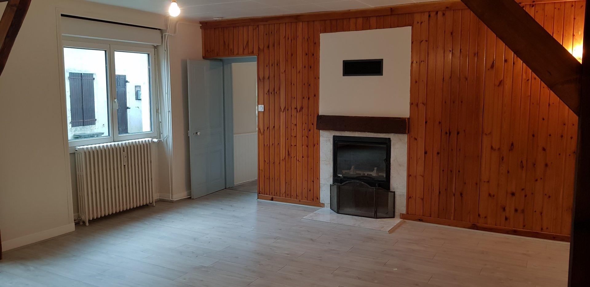Appartement T4 dans petit bâtiment calme