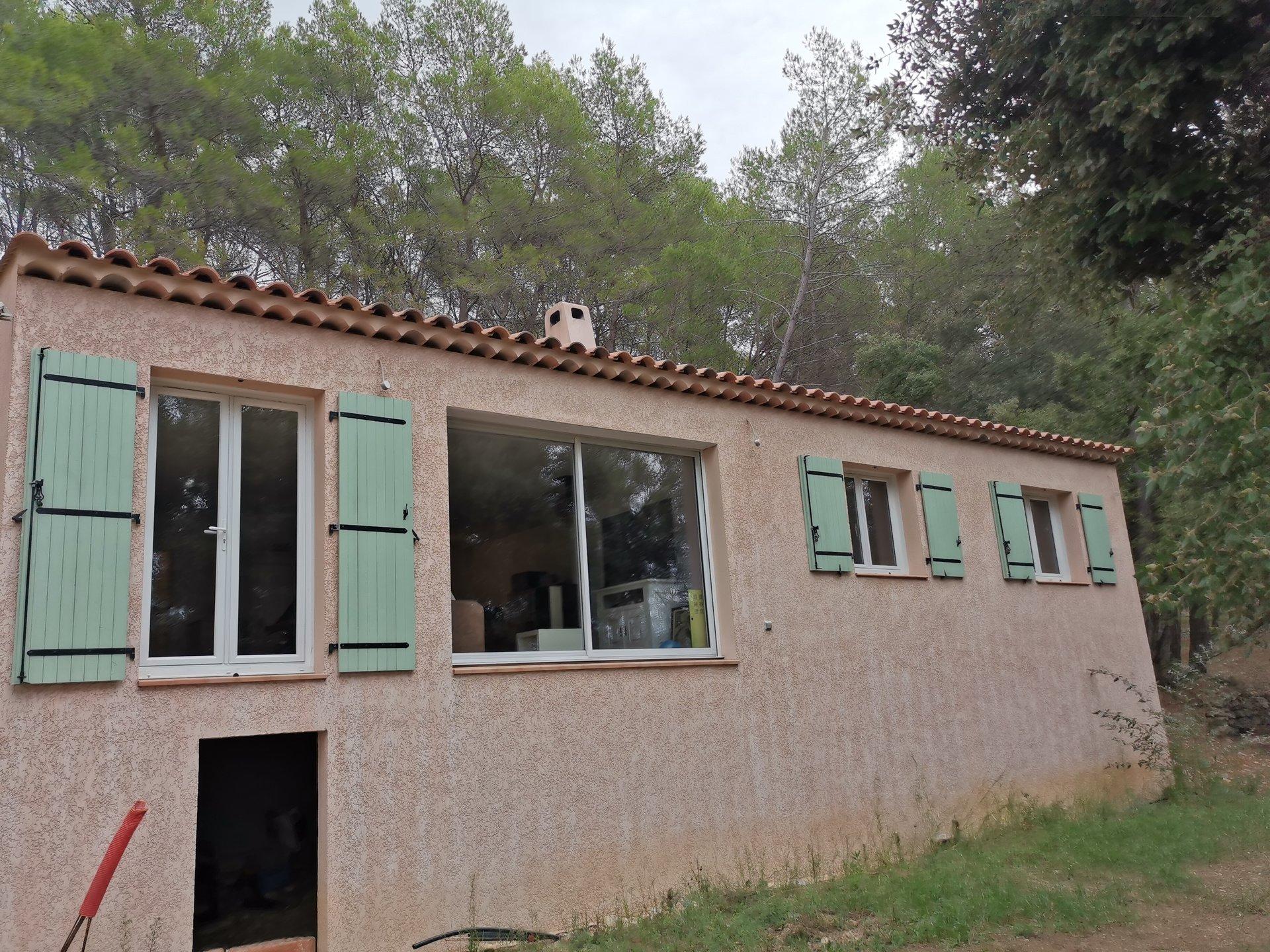 LORGUES, maison de 110 m² hab avec 3 chs sur 4031 m² de terrain