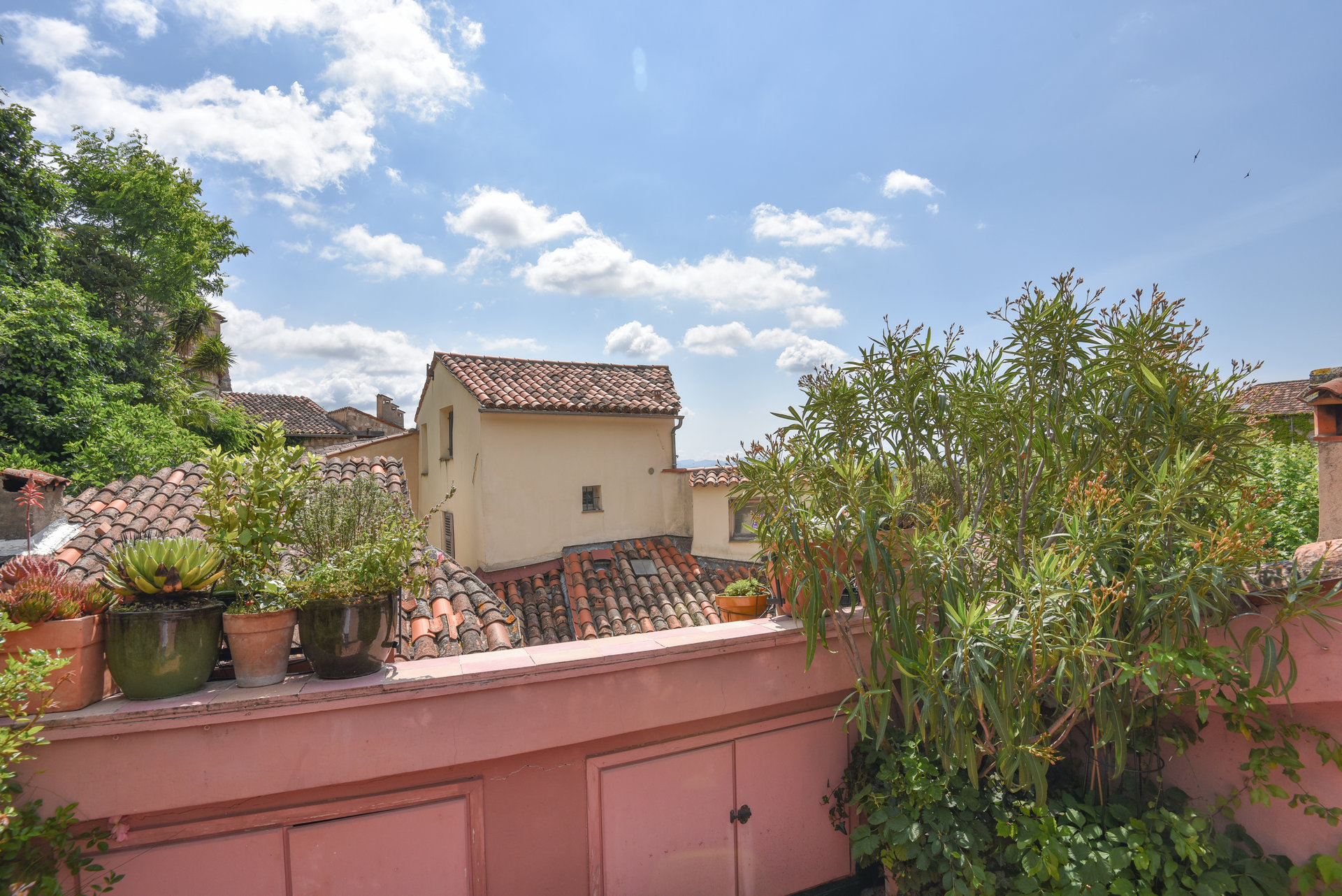 Pays de Fayence house in the village with terrace and view
