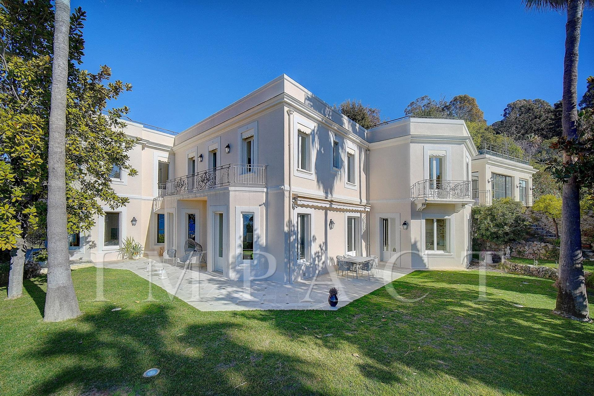 Prestigious properties on the heights of Cannes to rent.