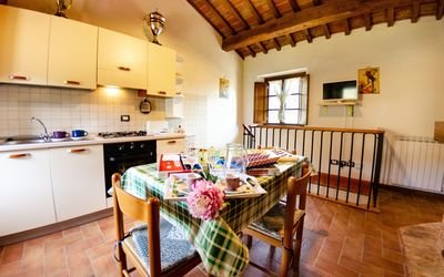 FARMHOUSE WITH POOL, 10 PERSONS, PISA, BUTI