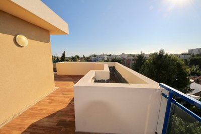 Beautiful Rooftop 3 bedroom apartment with large terrasse 150 sqm