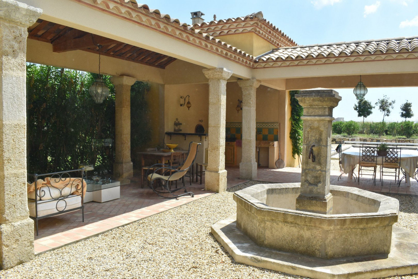 Mansion few minutes from Pézenas with pool