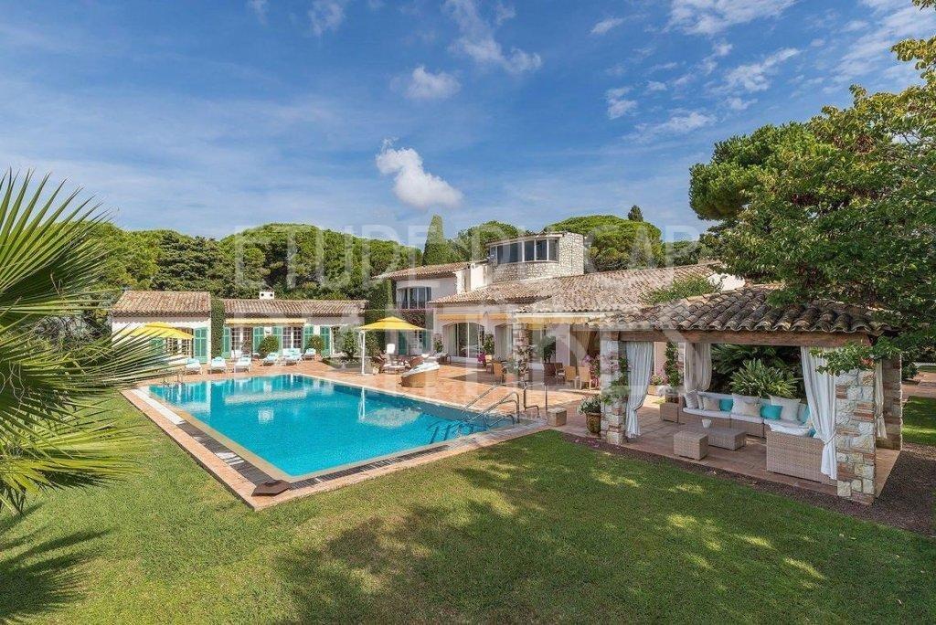 MAgnifique propriété a louer sur le Cap d'Antibes