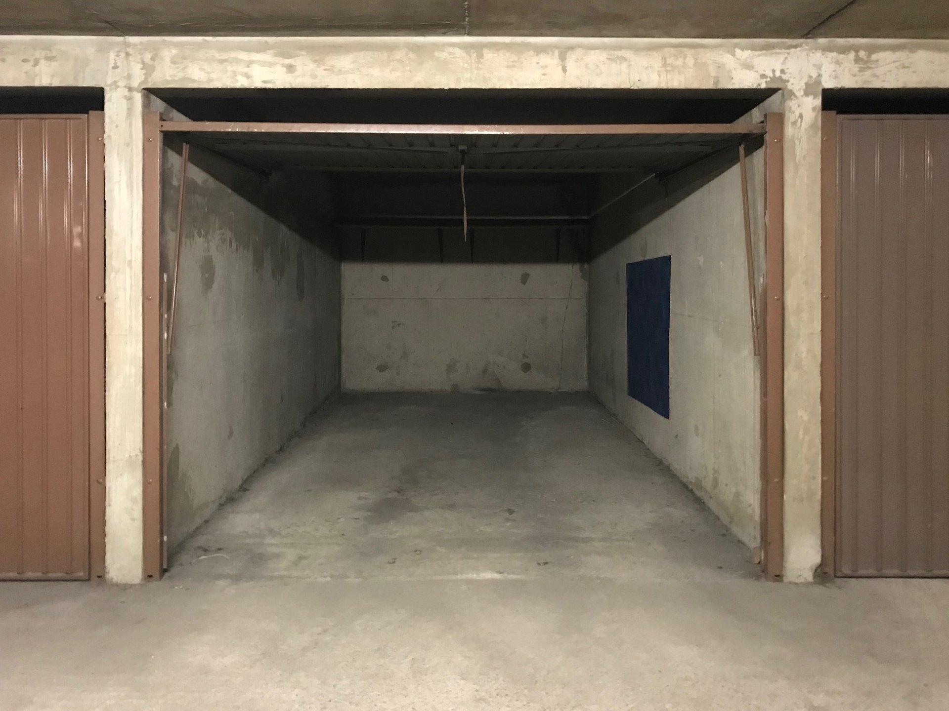 Rental Carpark - Lyon 7ème