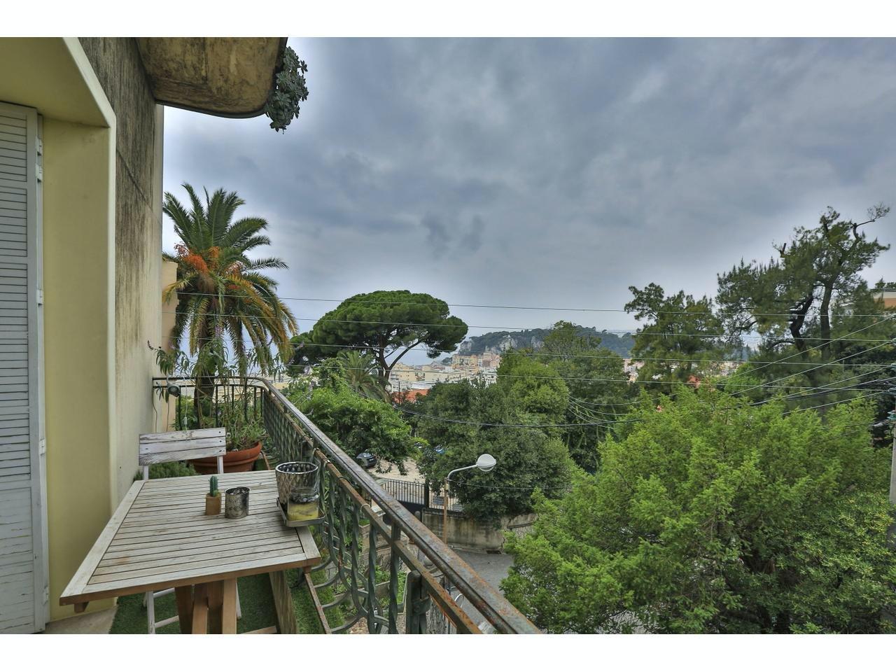 Lägenhet med balkong i sydväst