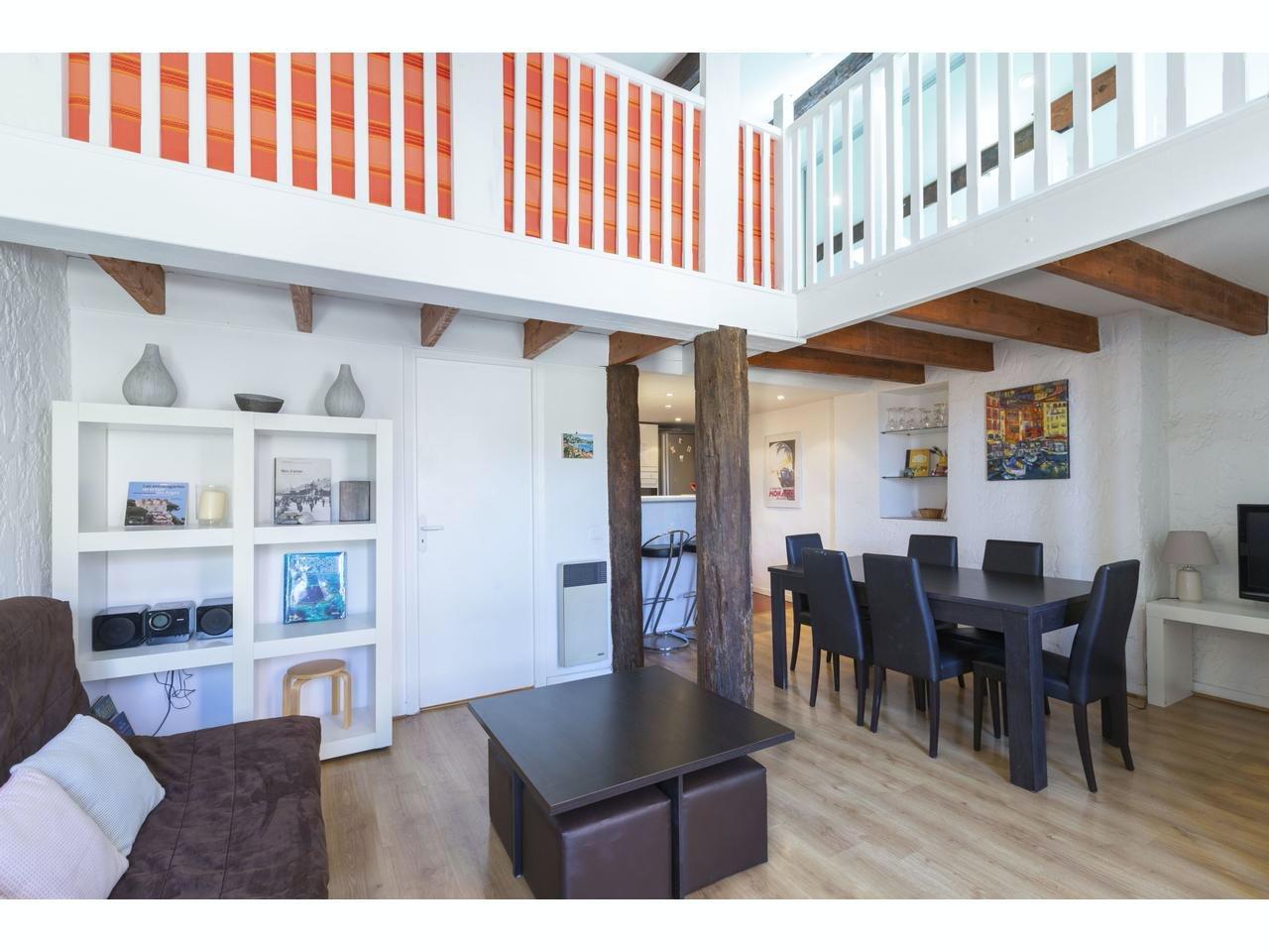 Lägenhet i centrala Villefranche-sur-mer med balkong