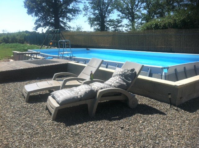 Montmorillon region, Vienne 86: house with view and pool